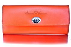 """Gifts for Travelers: Jewelry Roll This sophisticated jewelry roll comes with a Brian Gavin Signature """"Orange"""", bonded leather exterior and a quilted anti-tarnish LusterLoc™ interior. Cool Gifts, Unique Gifts, Jewelry Roll, Bonded Leather, Travel Gifts, World Traveler, Travel Accessories, Travel Style, Exterior"""