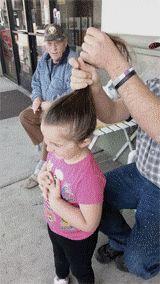 Este gif fofo mostra como fazer o penteado mais fácil do mundo