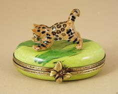 NEW FRENCH LIMOGES BOX CUTE BENGAL KITTY CAT KITTEN PLAYING ON GRASS | eBay