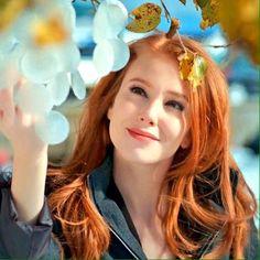 (5) Twitter Turkish Fashion, Turkish Beauty, Find A Person, Elcin Sangu, Movies And Series, Eyebrow Brush, Fashion Marketing, Tips Belleza, Cool Tones