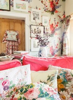 This room reminds of us Springtime... Australian Country magazine, photography Ken Brass