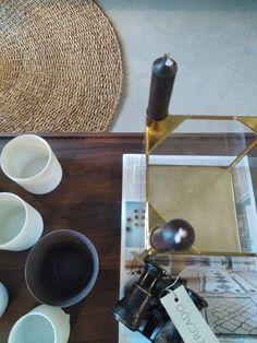 #mercadoloftstore #mls #umseisum #store #decor #lojadedecoração #tapete #floor #projecto #project #table #mesa #wood #madeira #porcelana #candle #velas #metal #glass #magazine #identity