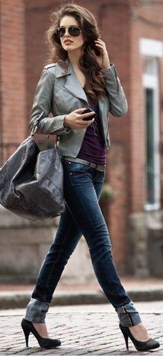 Basic formula for fall/winter dressing = blazer/jacket + basic tee/sweater + skinnies + high heels.