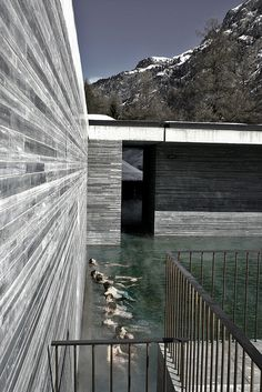 Therme Vals, Graubünden - Switzerland by Peter Zumthor Peter Zumthor, Sustainable Architecture, Landscape Architecture, Architecture Design, Ancient Architecture, Steven Holl Architecture, Therme Vals, Leisure Pools, Contemporary Barn