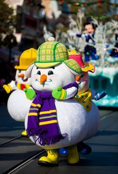 If you're visiting Walt Disney World or Disneyland during the Christmas or winter season (pretty much November through February), what you will need to thi