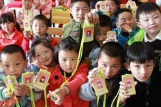 Shangzhou is the pioneer at Internet education area.The kids are learning English on the Internet.Which is a more convenient way for them.4