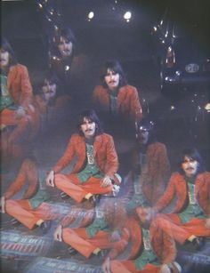 George Harrison, The Beatles. Looking Through A Glass Onion George Harrison, Pop Rock, Rock N Roll, Glass Onion, The Quiet Ones, 70s Aesthetic, Twist And Shout, This Is Your Life, The Fab Four
