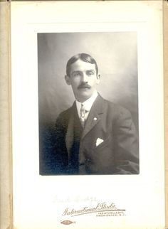 Fred Dodge was an under-cover Wells Fargo agent in Tombstone. He was an ally of the Earp brothers. Earp Brothers, Wyatt Earp, The Ok, Old West, Wells, Dodge, Old Things, Scrapbooking, America