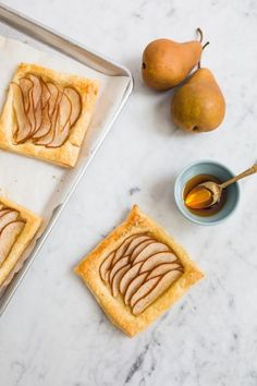 The Easiest Pear Tart with Honey /