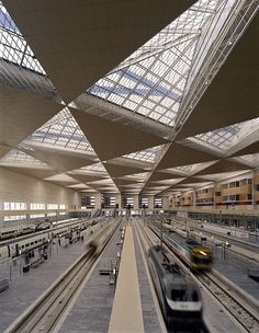 Train Station in Zaragoza, Spain Roof Structure, Building Structure, Metro Station, Bus Station, A As Architecture, Expo Milano 2015, Bus Terminal, Home Living, Ceiling Design