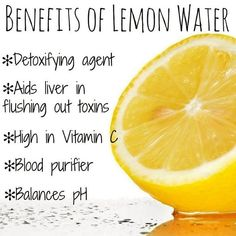 Drinking lemon water in the morning has so many beauty benefits. Check out all the great ways drinking lemon water can help you, your health and beauty. Drinking Warm Lemon Water, Lemon Water In The Morning, Cold Remedies, Herbal Remedies, Lemon Water Before Bed, Lemon Water Benefits, Water Images, Cold Treatment, Cough Syrup