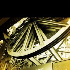 Eiffel tower elevator wheel