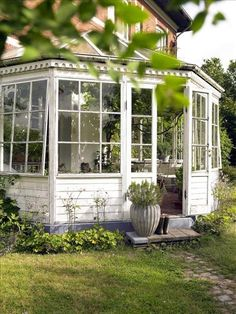 A private hide away! Some day, some day... Spirande lusthus