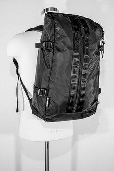 IGNOBLE Mona Cocoon Backpack