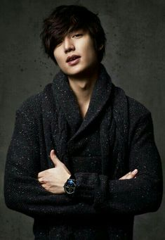 I have to admit, among all the Korean actors out there, Lee Min Ho owns my heart. I know, I am a certified fangirl but a certified MINOZ, first and foremost. Hot Korean Guys, Korean Men, Asian Guys, Asian Men, Hot Guys, City Hunter, Asian Actors, Korean Actors, Korean Dramas