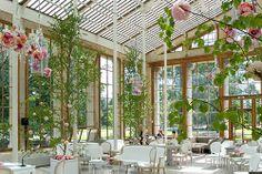 Kew Gardens wedding, flowers by Philippa Craddock