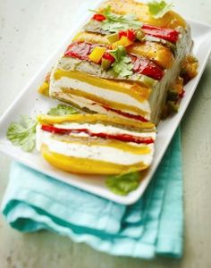 Terrine aux 3 poivrons et au fromage frais Terrine with 3 peppers and fresh cheese Vegetarian Recipes, Cooking Recipes, Healthy Recipes, Food Porn, Eat This, Quick Healthy Breakfast, Queso Fresco, Cooking Time, Food Inspiration