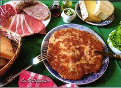 La patranque est un mets traditionnel du Cantal, dans le Massif central. Spécialité qui se prépare avec le fromage d'Auvergne : le Cantal. Ce plat comptait parmi les recettes que les bergers préparaient l'été dans les burons. Amoureux de la cuisine montagnarde...