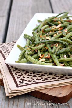 I love finding good bean recipes! Roasted Garlic Green Beans from myrecipemagic.com. #beans #sidedish