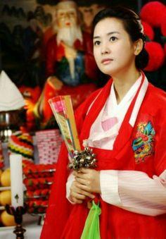 Lee Da Hae in Hanbok