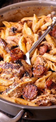Cajun Chicken and Sausage Pasta in Creamy Parmesan Sauce is easy to make in only 30 minutes! Smoked sausage, mushrooms and Worcestershire sauce here do a beautiful job creating the most amazing meal inside your kitchen. Cajun Chicken Salad, Chicken Sausage Pasta, Chicken Pasta Recipes, Smoke Sausage Pasta, Sausage Meals, Cajun Pasta Recipe, Pasta With Smoked Sausage, Pasta With Meat, Recipes With Penne Pasta