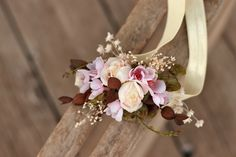 Newborn elastic flower headband by EvaFleurs on Etsy Star Flower, Flower Crown, Flower Head Wreaths, Groom Boutonniere, Elastic Headbands, Fall Flowers, Maternity Pictures, Corsage, Photo Props