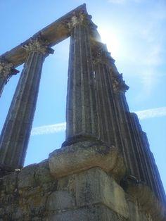 Templo romano, Évora. Old roman temple, Évora - Portugal