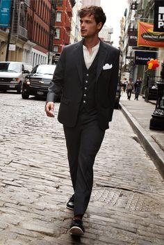 Just look at him strolling down the street like nobody's fucking business.  Seeeeeeeeeeeeeeeeeeeeeeeeeexy as hell and not even trying.