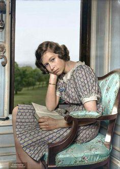 Beautiful....Young Queen Elizabeth
