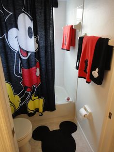 Mickey Mouse Bathroom Set. Hey Big Guy   Make Way I Want The Shower!  Www.DisneyVillaSales.com