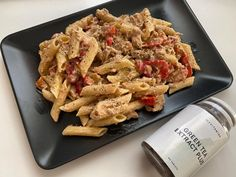 FIT placuszki drobiowe z warzywami i serem - Mocne Kalorie Pasta Salad, Lunch Box, Meat, Chicken, Ethnic Recipes, Food, Lilac, Crab Pasta Salad, Essen
