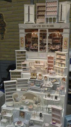 Quality Hand-made miniature furniture and accessories for Dolls houses Meubles et accessoires miniatures artisanaux de qualité pour Maisons de Poupées Shabby chic, Country, Gustavian, bord de mer / seaside ... Artisanat - artisan