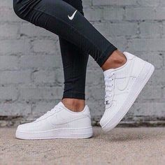 Nike Air Force 1 Low Damen Angezogen