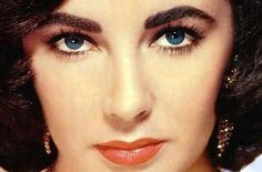 325,000 FANS ask Google if the late Elizabeth Taylor's eyes really were violet coloured. Get the story, get the truth.