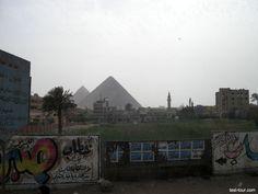 Пирамиды Гизы: вид из бедного квартала