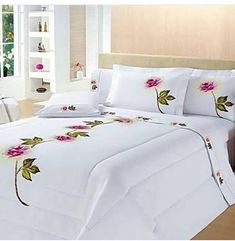 Decorate your bedroom so that it gives you pleasure each time you go into it. Bed Cover Design, Floral Bedspread, Bed Covers, Fabric Painting, Bed Spreads, Comforter Sets, Luxury Bedding, Bed Sheets, Bedroom Decor