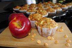 Muffins aux pommes et butterscotch Apple Muffins, Butterscotch Chips, Scones, Biscuits, Deserts, Tasty, Lunch, Snacks, No Bake Desserts