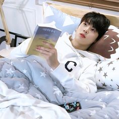 Random story about Cha Eunwoo and Yoon Sanha. Vote dan Comment s… # Cerita pendek # amreading # books # wattpad Korean Celebrities, Korean Actors, Cha Eunwoo Astro, Chibi Cat, Beautiful Men Faces, Hyung Sik, K Pop Star, Wattpad, Kpop