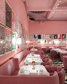 Modern Home Decor Interior Design Flat Interior, Cafe Interior Design, Cafe Design, Interior Decorating, Hotel Restaurant, Restaurant Design, Cafeteria Retro, Café Bar, Pink Walls