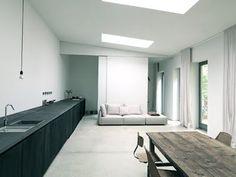 Photo: Karina Tengberg, via STIL inspiration Interior Design Blogs, Best Interior, Kitchen Interior, Interior Inspiration, Style At Home, My Living Room, Living Spaces, Classic Kitchen, Minimal Living