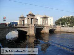 СПБ 1d. Метро, домики Первый день в Петербурге. Приезжаем, гуляем по центру и любуемся домами, реками и людьми.