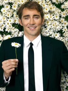 Pushing Daisies- if there was ever a celebrity crush for me, it would be Lee Pace, Ned