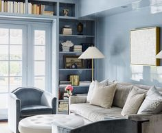 """The Expert's Instagram profile post: """"Now booking • @palomacontrerasdesign • ELLE Decor A-List designer, author, and podcast host; the multi-hyphenate Paloma Contreras is known…"""" Diy Décoration, Dyi, One Kings Lane, Round Leather Ottoman, Best Blue Paint Colors, Paint Colours, Bright Colors, Color Blue, Dallas"""
