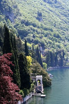 Lake Como by duepadroni, via Flickr