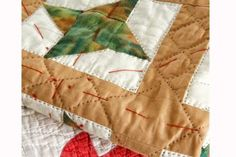Learn how to make a quilt sandwich before basting and quilting your project. Includes details to help hand quilters and machine quilters. Quilting Tips, Quilting Tutorials, Hand Quilting, Machine Quilting, Quilting Projects, Quilting Designs, Beginner Quilting, Sewing Projects, Puff Quilt