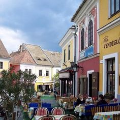 Szentendre, Hungary Hungary, Travel Photography, Beautiful Places, Street View, Mansions, House Styles, Amazing, Home, Manor Houses