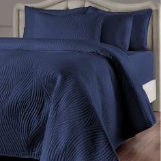 Brielle Stream fashion bedding products are made from 100% microfiber for an ultra-soft texture that is perfect for snuggling. The quilt is over sized, so you don't have to worry about it slipping off of you during the night. Complete this your set with optional matching sham and bed skirts from the same collection. Brielle Stream solid color quilt with a sophisticated geometrical embroidery pattern in exquisite colors.