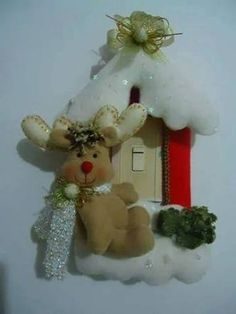 Resultado de imagen para moldes de cubre apagadores navideños Christmas Yard Art, Christmas Sewing, Christmas Candles, Felt Christmas, Diy And Crafts, Christmas Crafts, Christmas Decorations, Holiday Decor, Felt Crafts