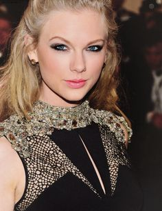 Taylor Swift Makeup at the 2013 MET Gala Ball