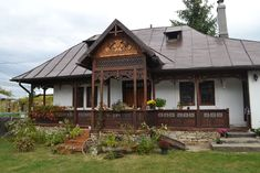 Wooden Terrace, European House, Balcony Design, House Of Cards, Wooden House, Design Case, Beautiful Architecture, Log Homes, Traditional House